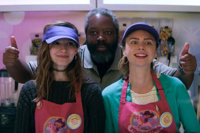 Fraternal twin sisters Sterling (Maddie Phillips) and Blair (Anjelica Bette Fellini) join forces with bounty hunter Bowser Simmons (Kadeem Hardison) in <em>Teenage Bounty Hunters</em>.