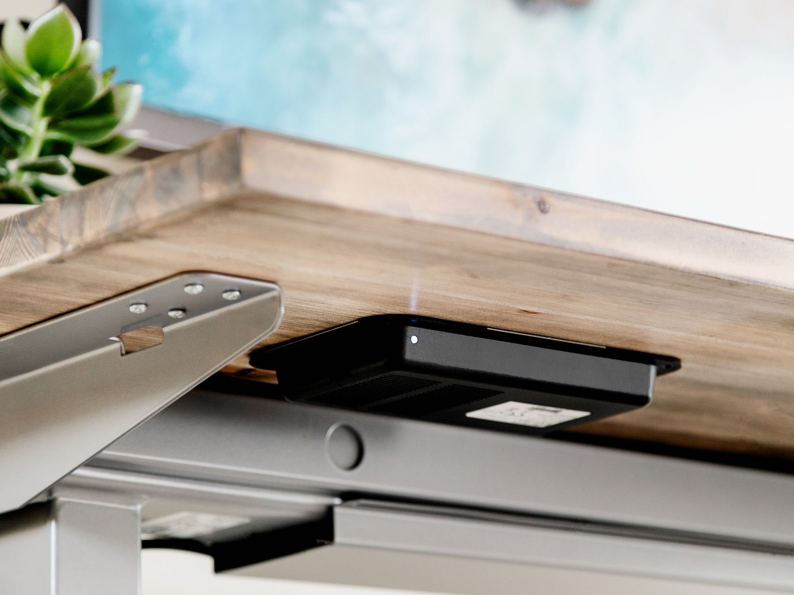 Image may contain Wood Furniture Tabletop Plywood Cell Phone Electronics Mobile Phone and Phone