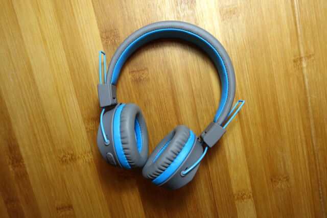 The JLab JBuddies Studio Wireless are a good wireless headphones for young listeners.